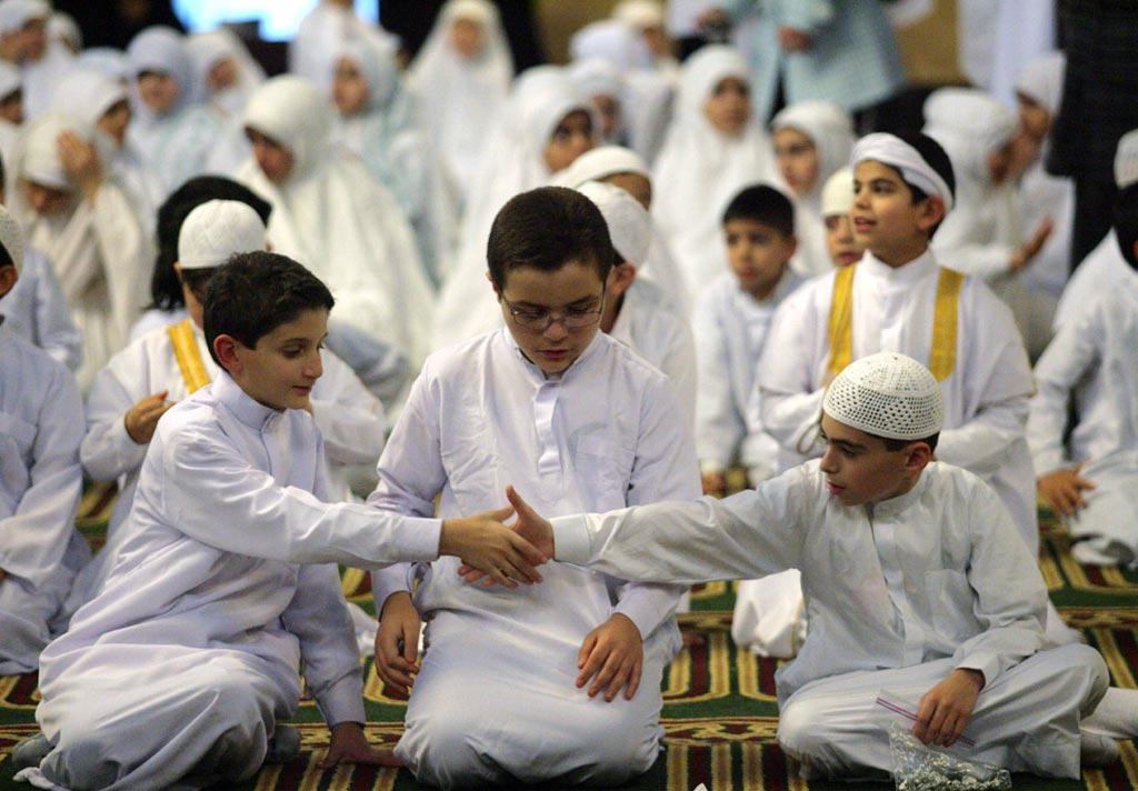 Shaking-Hands-after-Praye-Sunnah