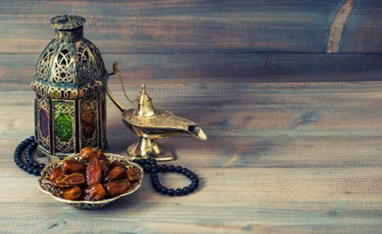 depositphotos_54092051-stock-photo-dates-arabian-lantern-and-rosary